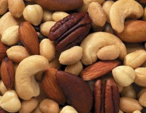 mixed nut is a very healthy snack