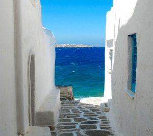 mykonos yoga retreat with yoga escapes