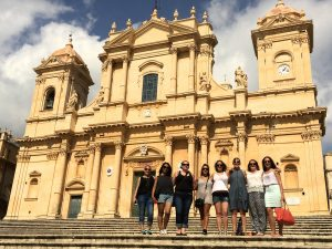 day trip to noto in sicily with yoga escapes