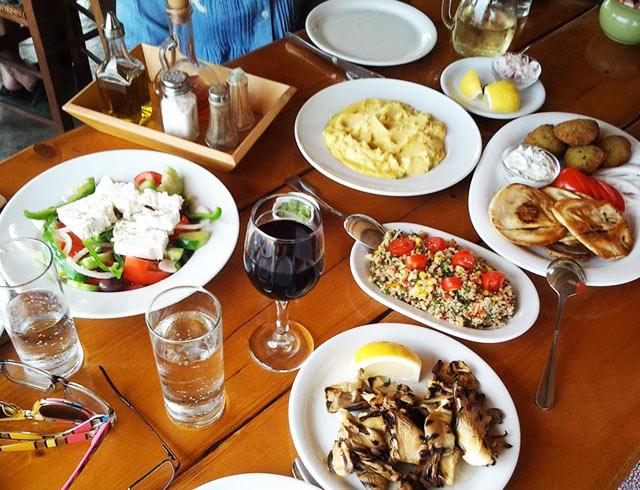 Delicious meals in Mykonos on our luxury yoga retreats
