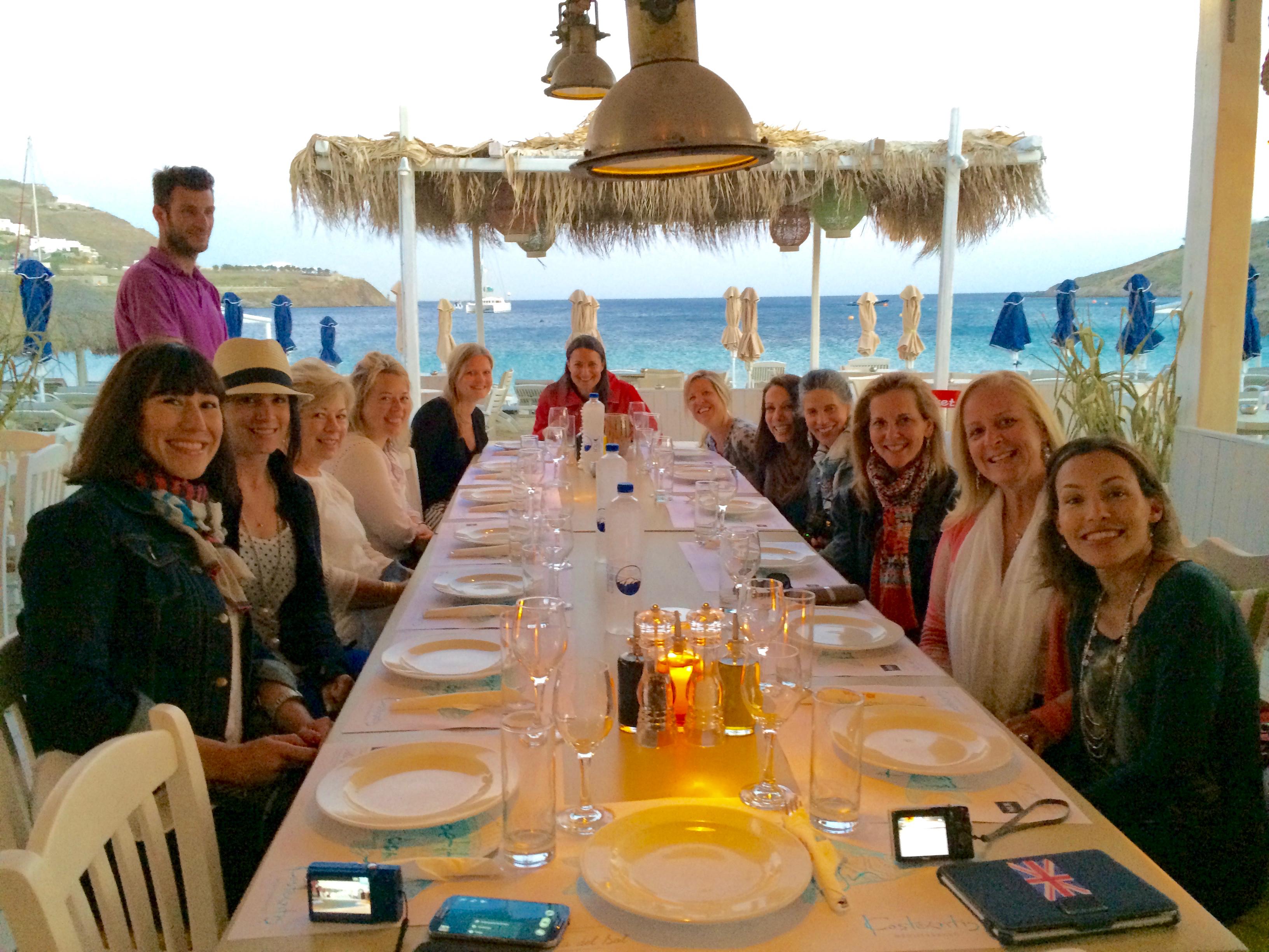 group dinner at ornos mykonos