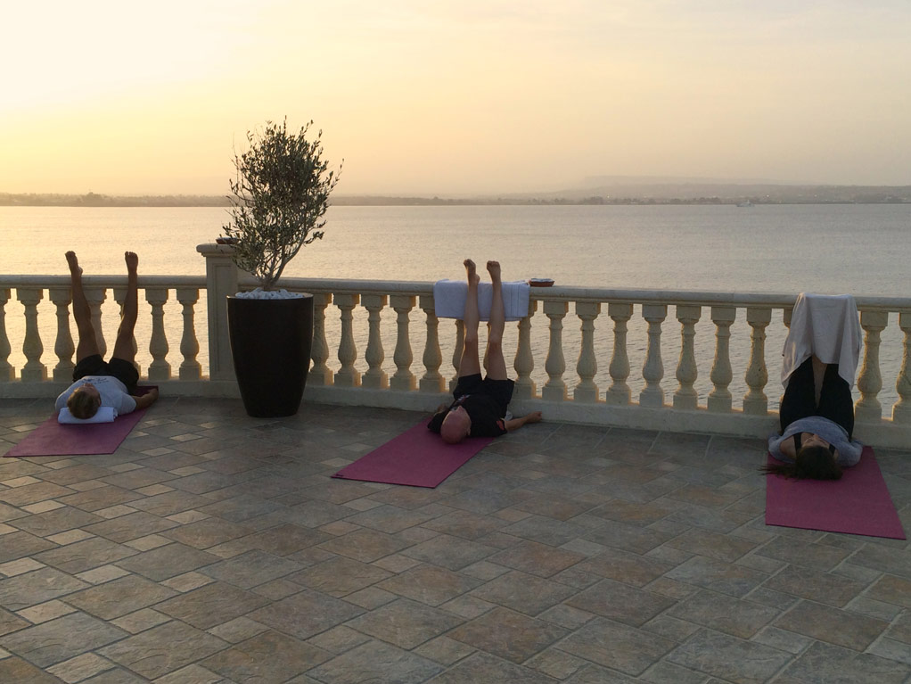 Evening session in Sicily with the Yoga Escapes teachers