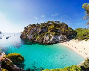 yoga retreat in spain on a gorgeous beach with yoga escapes