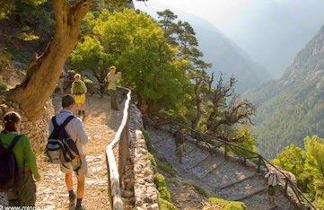 hiking on a yoga retreat in crete