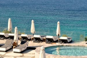 jacuzzi at a luxury hotel in mykonos on a yoga retreat