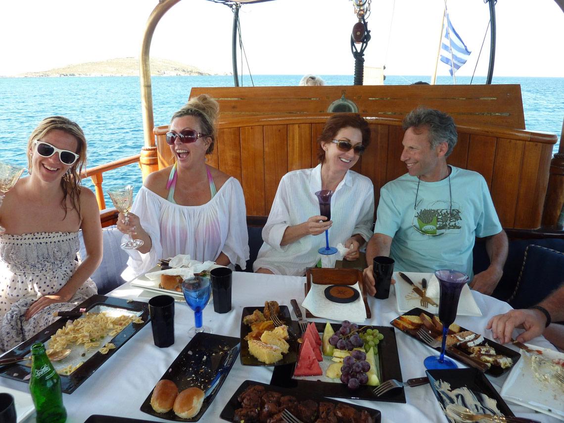 Sailing trip on a Mykonos Yoga Escape