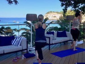 8:30–10am: an active Vinyasa flow yoga class to start the day.
