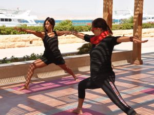 yoga class on a luxury yoga holiday in egypt