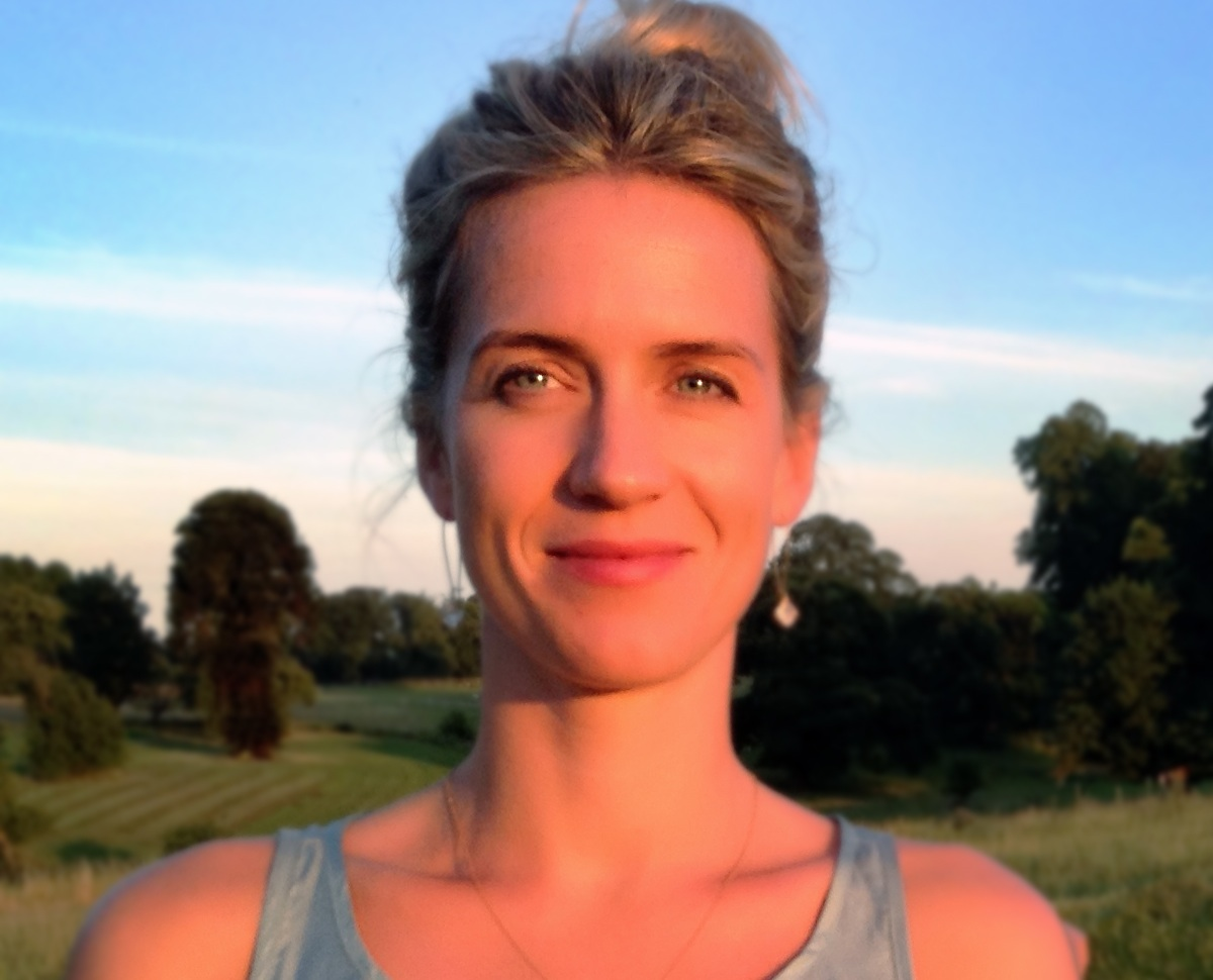 Holly Warren yoga teacher for Yoga Escapes