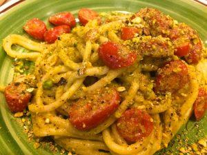 spaghetti with pistacchio sauce sicilia in tavola