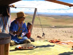 tea-in-the-agafay-desert-morcco
