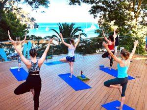 vinyasa-flow-class-luxury-yoga-retreat-menorca-spain