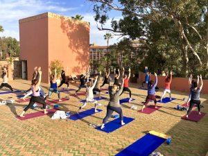lunging--luxury-yoga-retreat-morocco