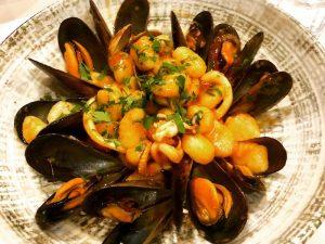 seafood-pasta-sicily-italy-yoga-retreat