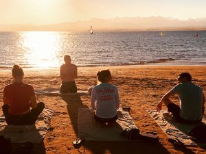sunset-dancer-pose-luxury-yoga-retreat-egypt