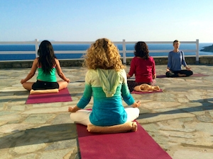 yin-yoga-class-in-greece-with-yoga-escapes-1