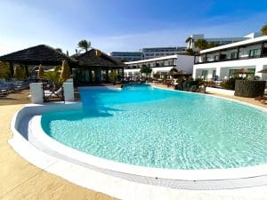 pool-luxury-yoga-retreat-canary-islands