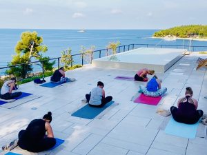forward-folds-luxury-yoga-retreat-croatia