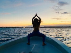 godddess-pose-luxury-yoga-retreat-sicily-italy