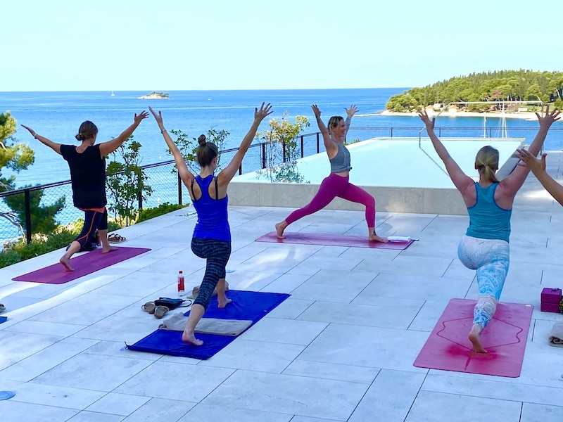 high-lunge-luxury-yoga-retreat-croatia