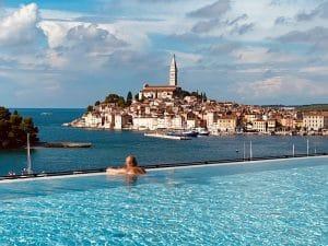 infinity-pool-luxury-yoga-retreat-croatia
