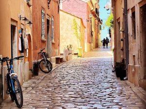 rovinj-streets-luxury-yoga-retreat-croatia