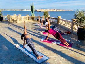 side-plank-luxury-yoga-retreat-sicily-italy
