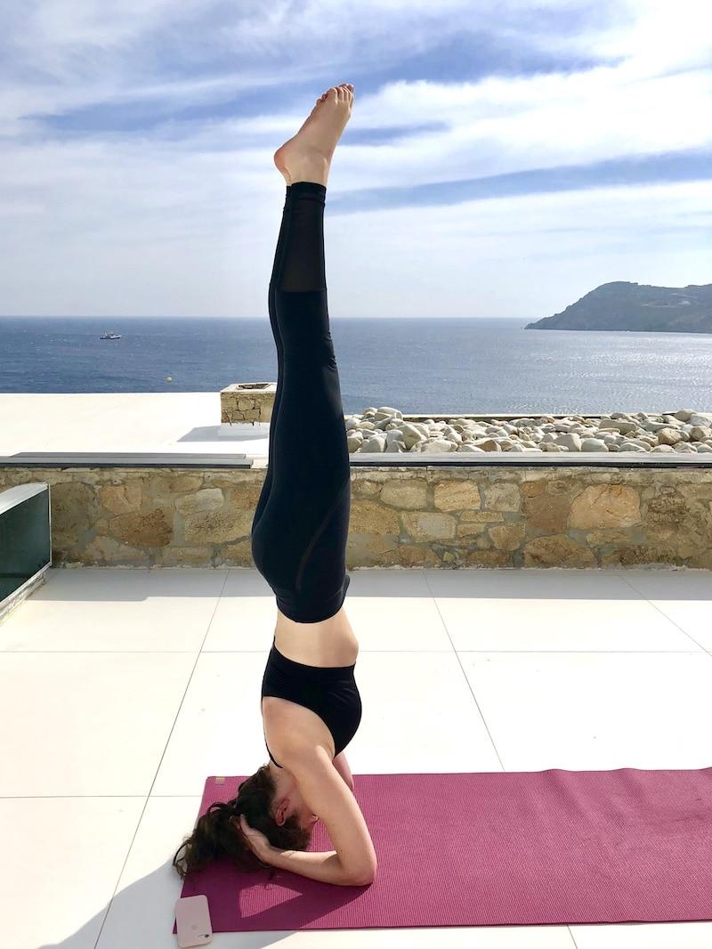 headstand-yoga-retreat-mykonos-greece